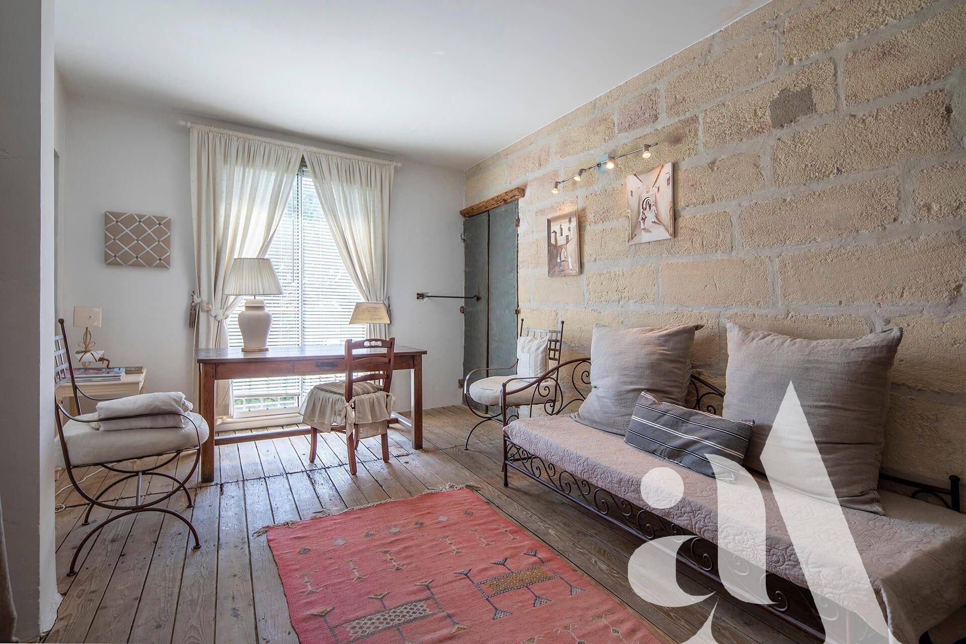 MAISON VOLETS BLEUS - MAILLANE - ALPILLES - 3 bedrooms - 6 persons