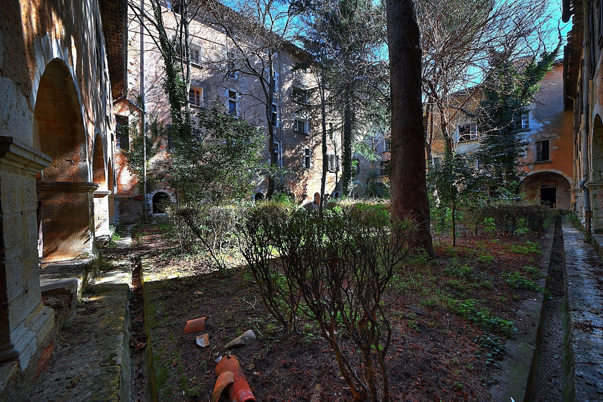 Ancien couvent avec cours intérieure - Charme et authenticité - Aups Var Verdon