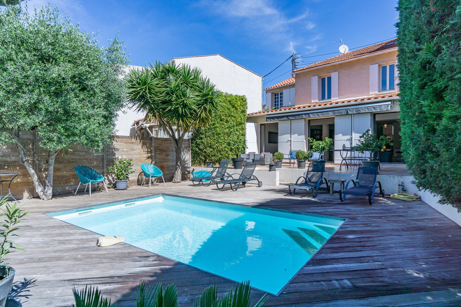 ROUCAS TERRAIL Maison T4 jardin piscine garage 13007