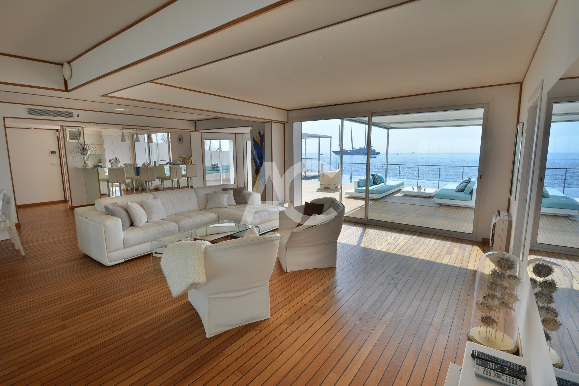 Unique waterfront property - Cap d'Antibes