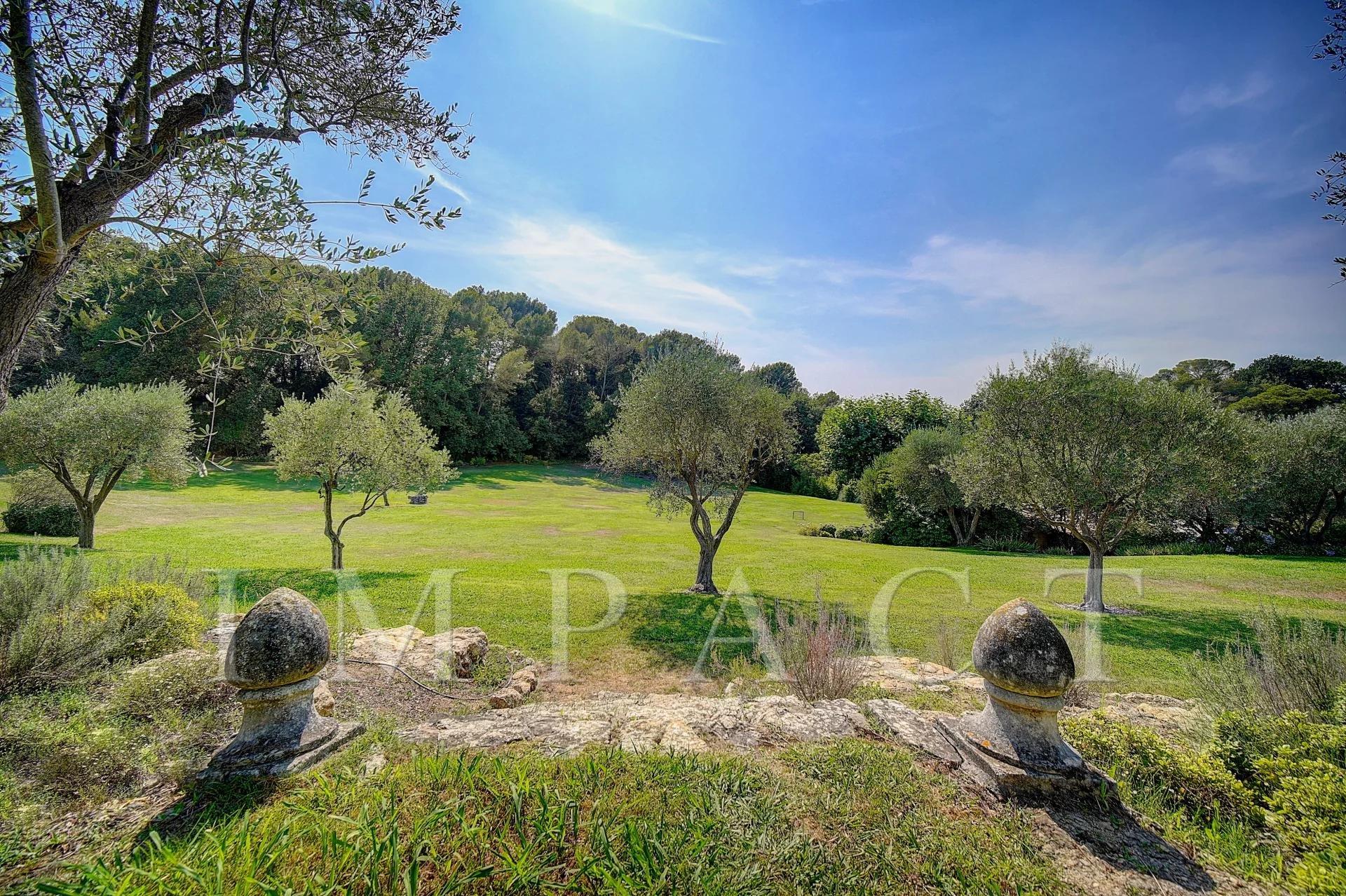 Authentique Mas to rent, close golf course Mougins