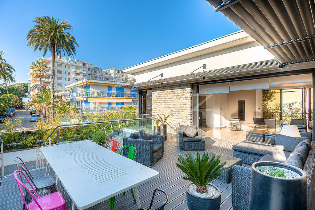 Additional photo for property listing at Seasonal rental - House Cannes (Palm Beach)  Cannes, Alpes Marítimos,06400 França