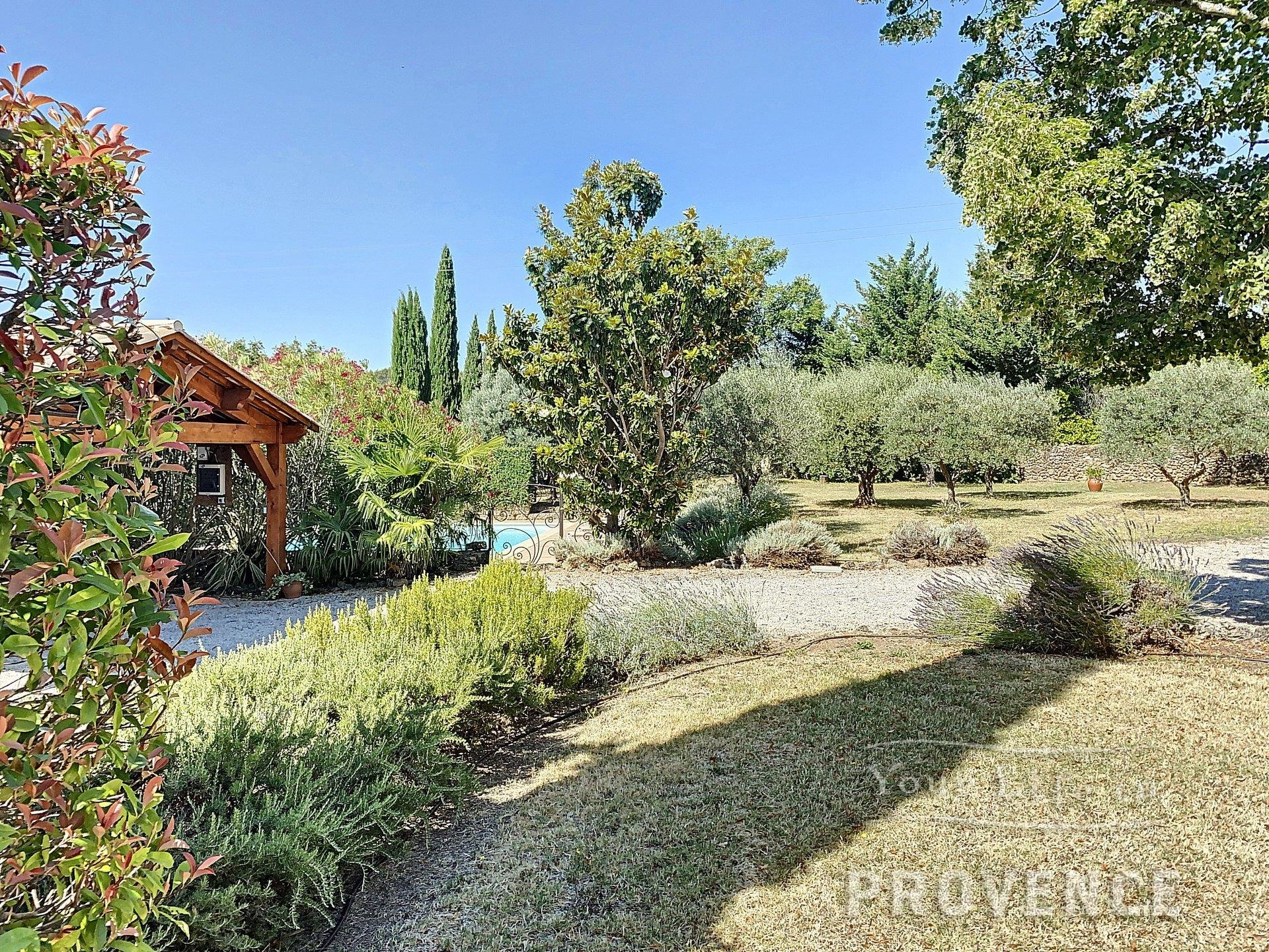 Lovely renovated old bastide with pool in quiet area