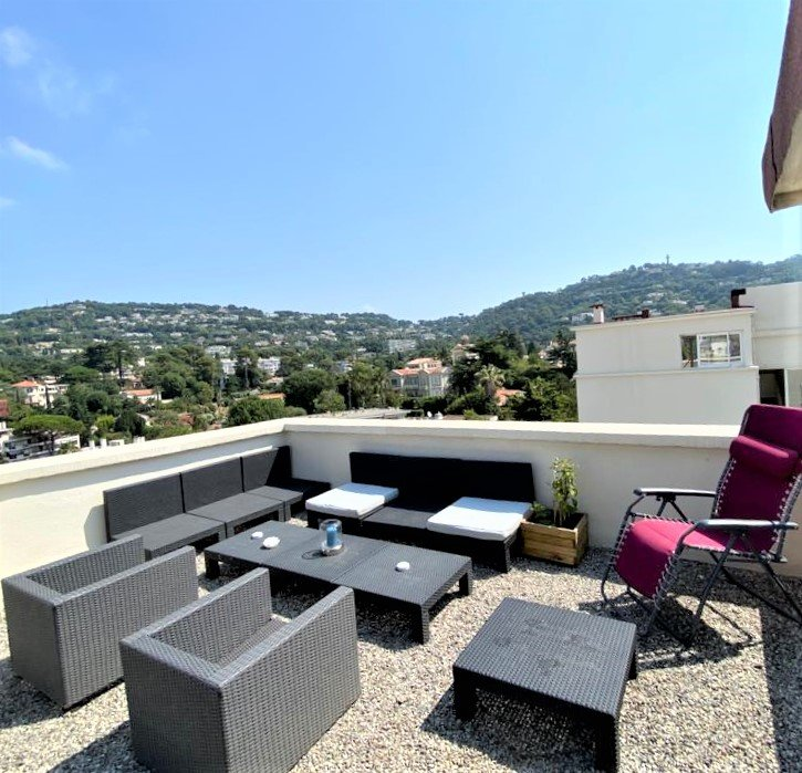 FOR SALE CANNES MONTFLEURY APARTMENT 28M2 TOP FLOOR TERRACE