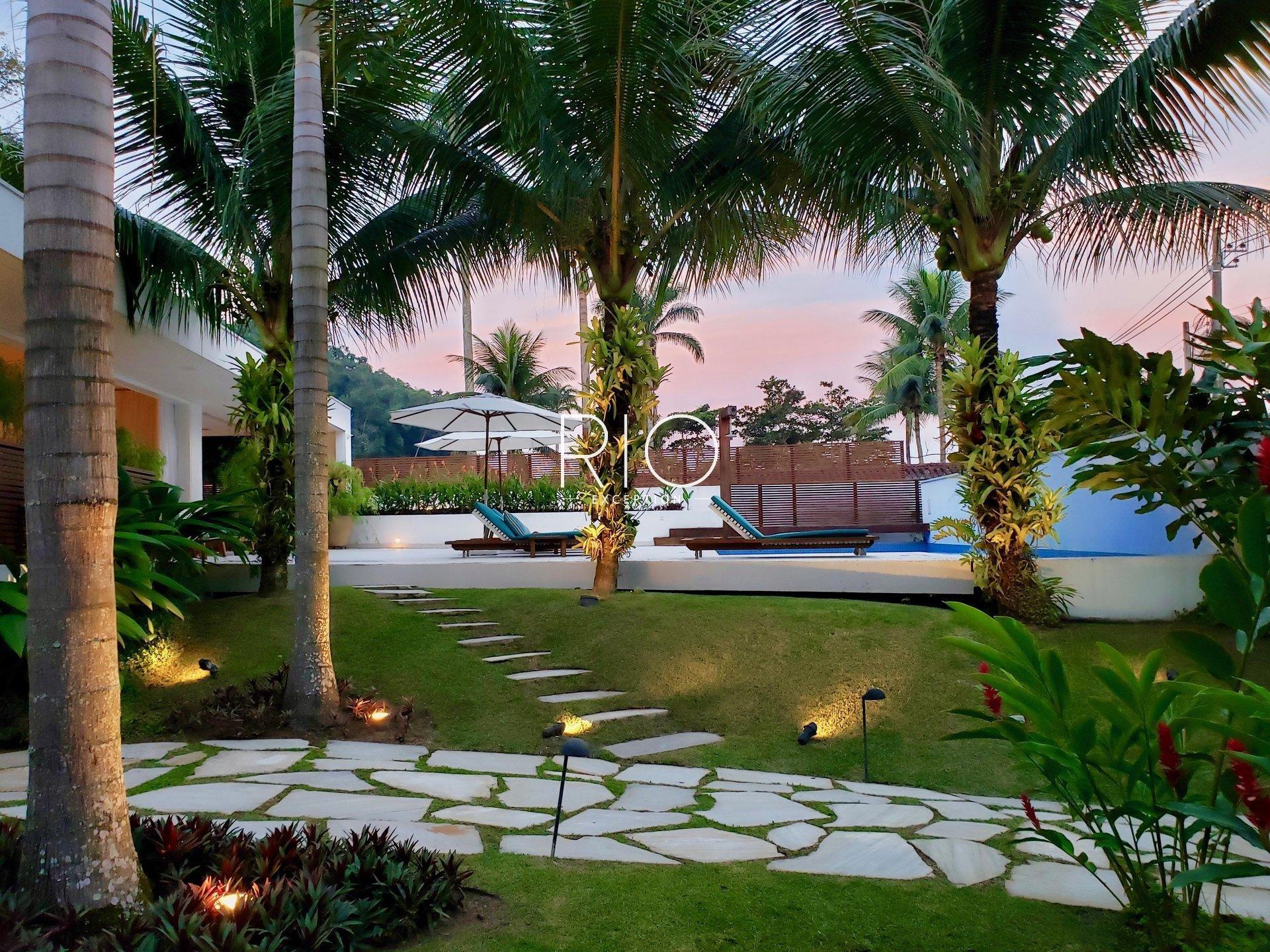 Sumptuous contemporary villa in Paraty !!!