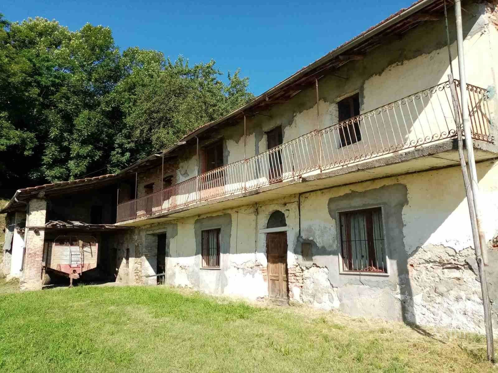 Sale Village house - Caraglio - Italy