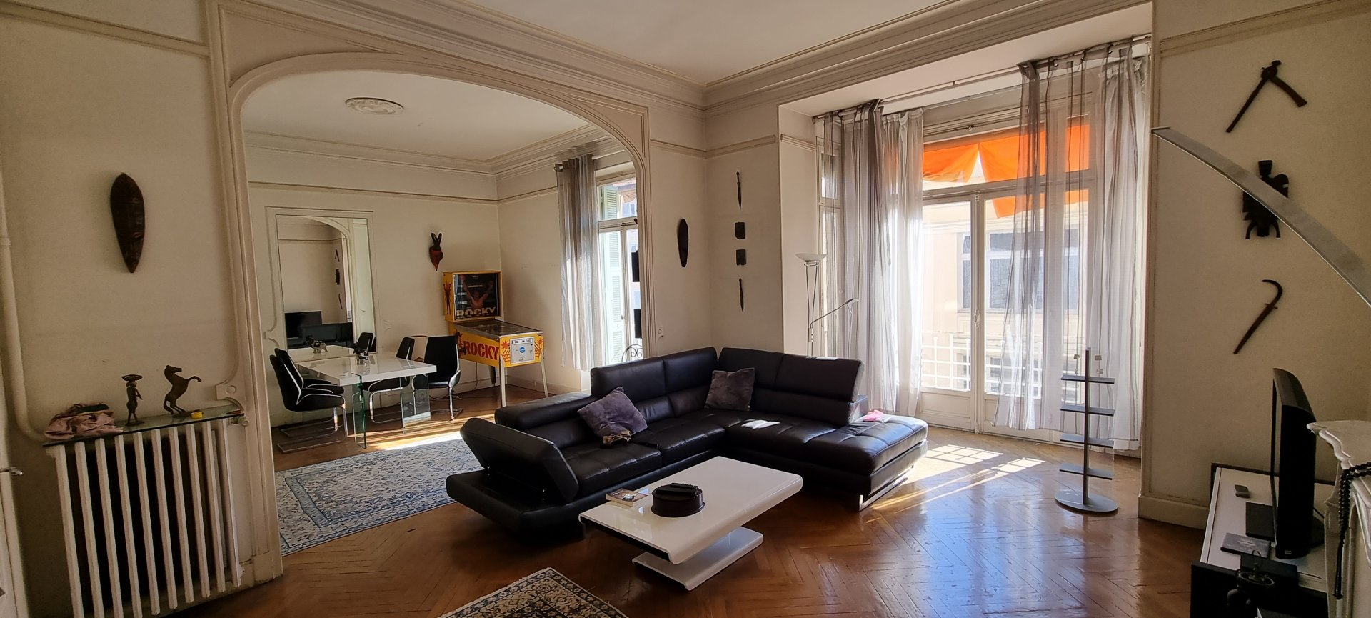 spacieux appartement bourgeois