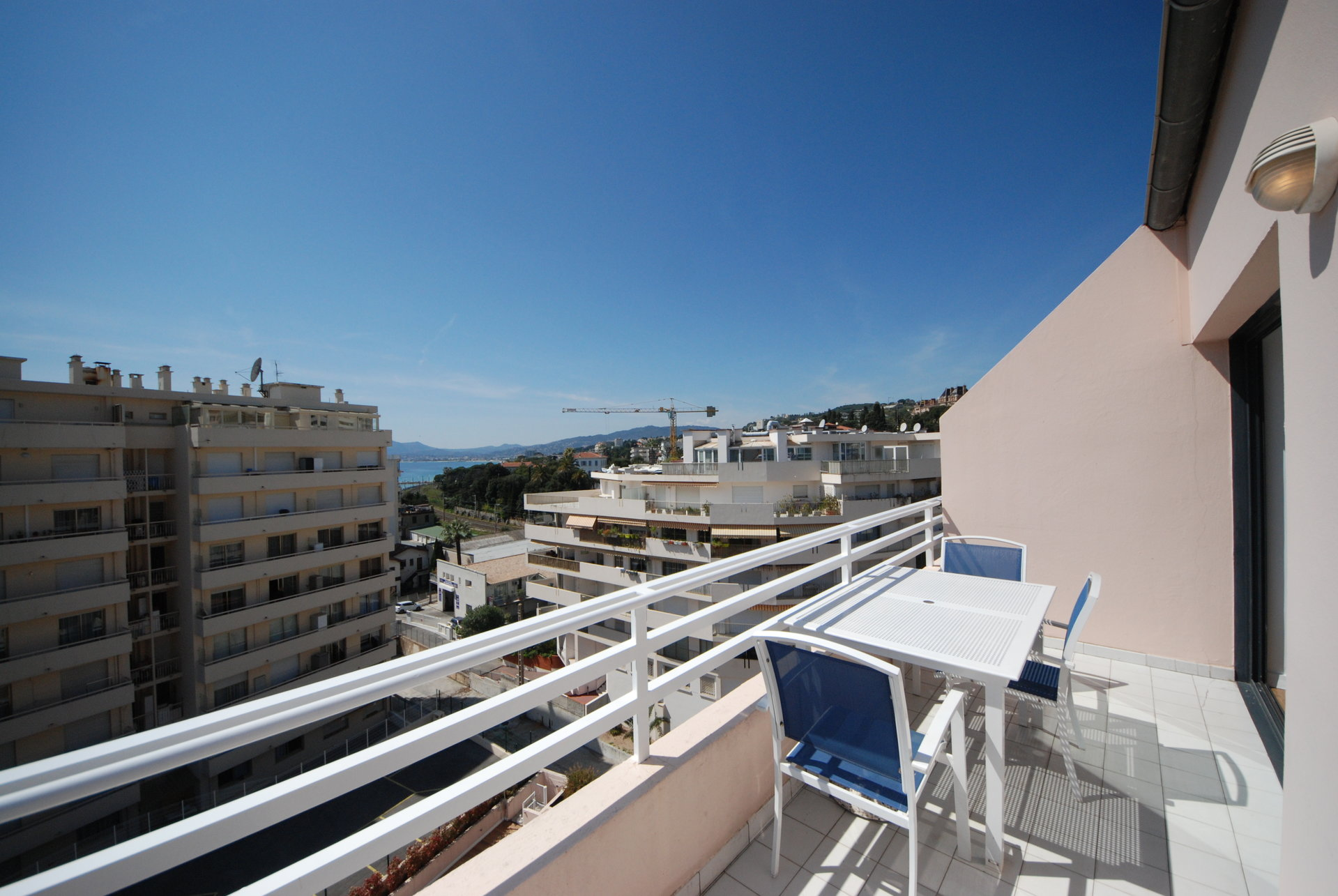 100 m for the beaches large studio-cabin terrace and glimpse sea view