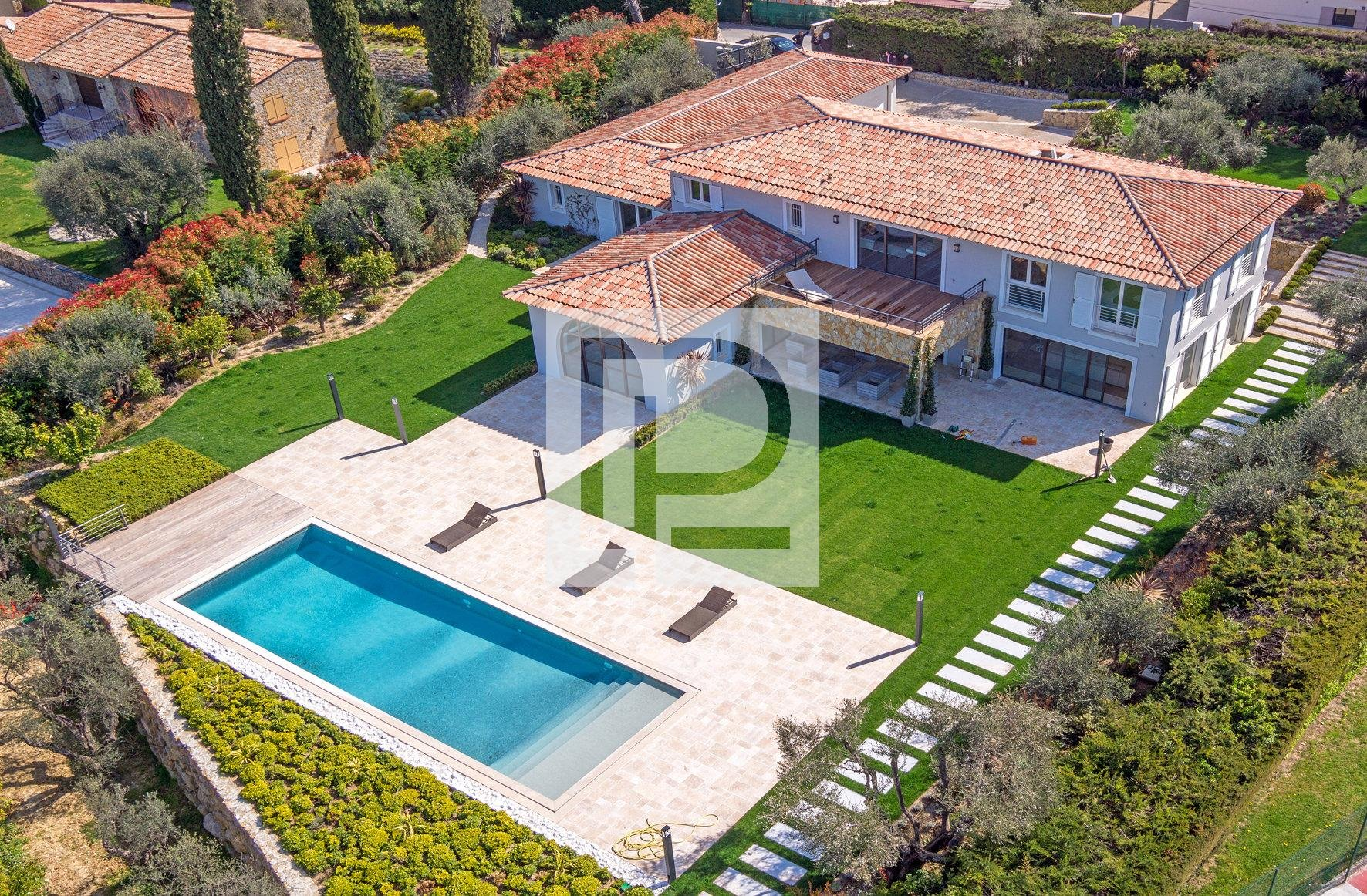 Mougins residential area : Very beautiful recent villa ...