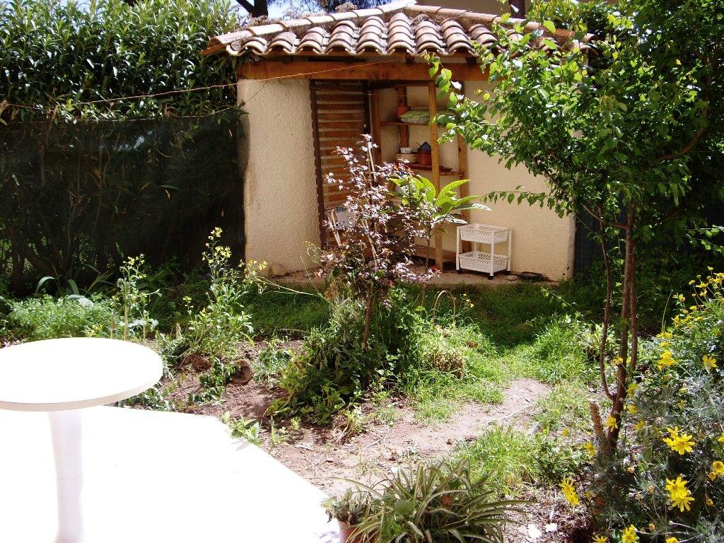 F2 en rez-de-jardin à Fréjus