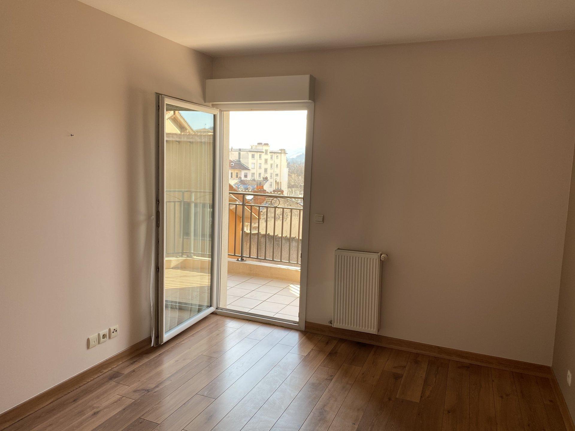 VIENNE centre, Appartement T5 duplex de 119 m² avec terrasses