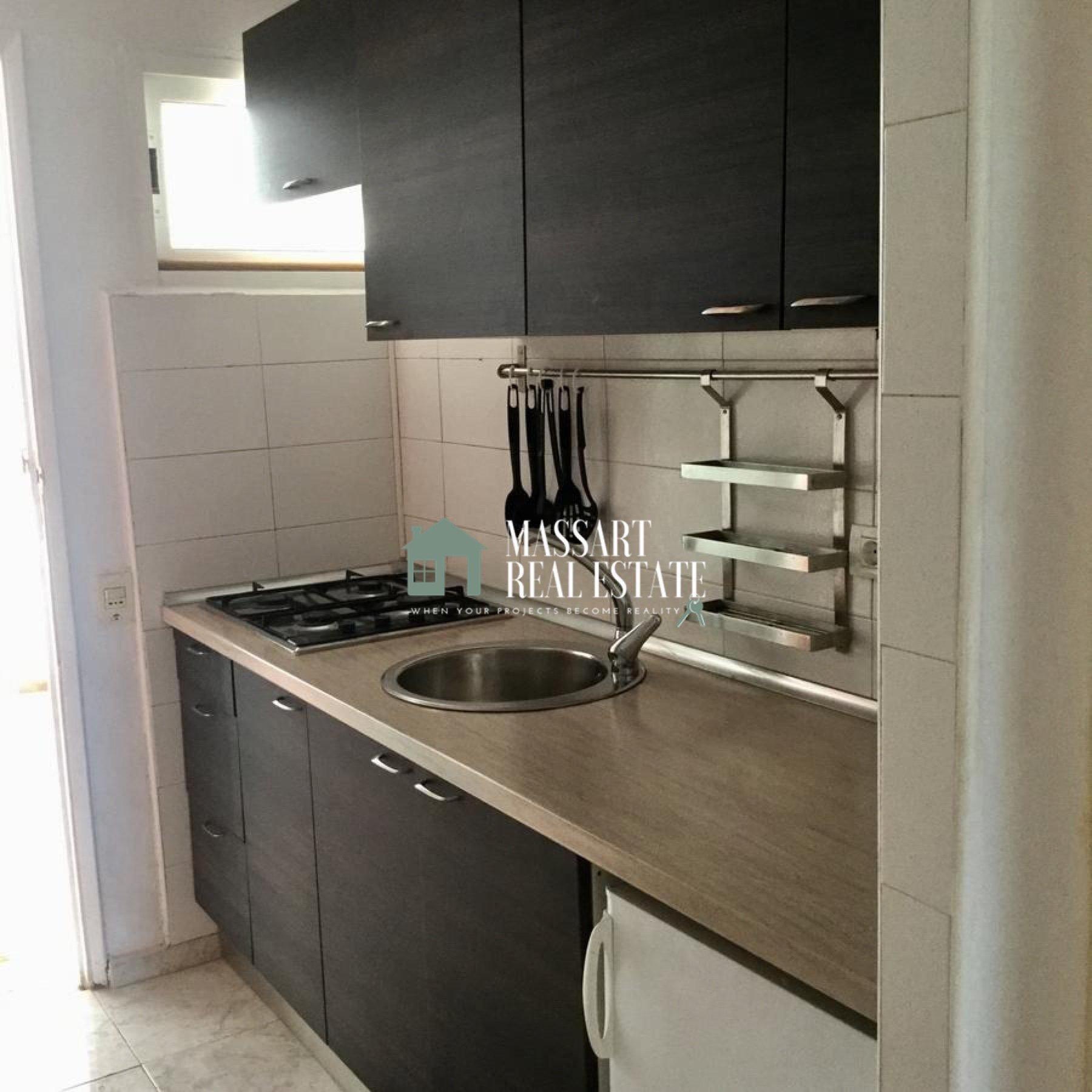 In vendita nel centro della Costa del Silencio, nel complesso residenziale El Chaparral, uno studio di 40m2 recentemente rinnovato e pronto per essere goduto.