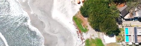 Vivre au bord de la mer sur la côte de Tamarin