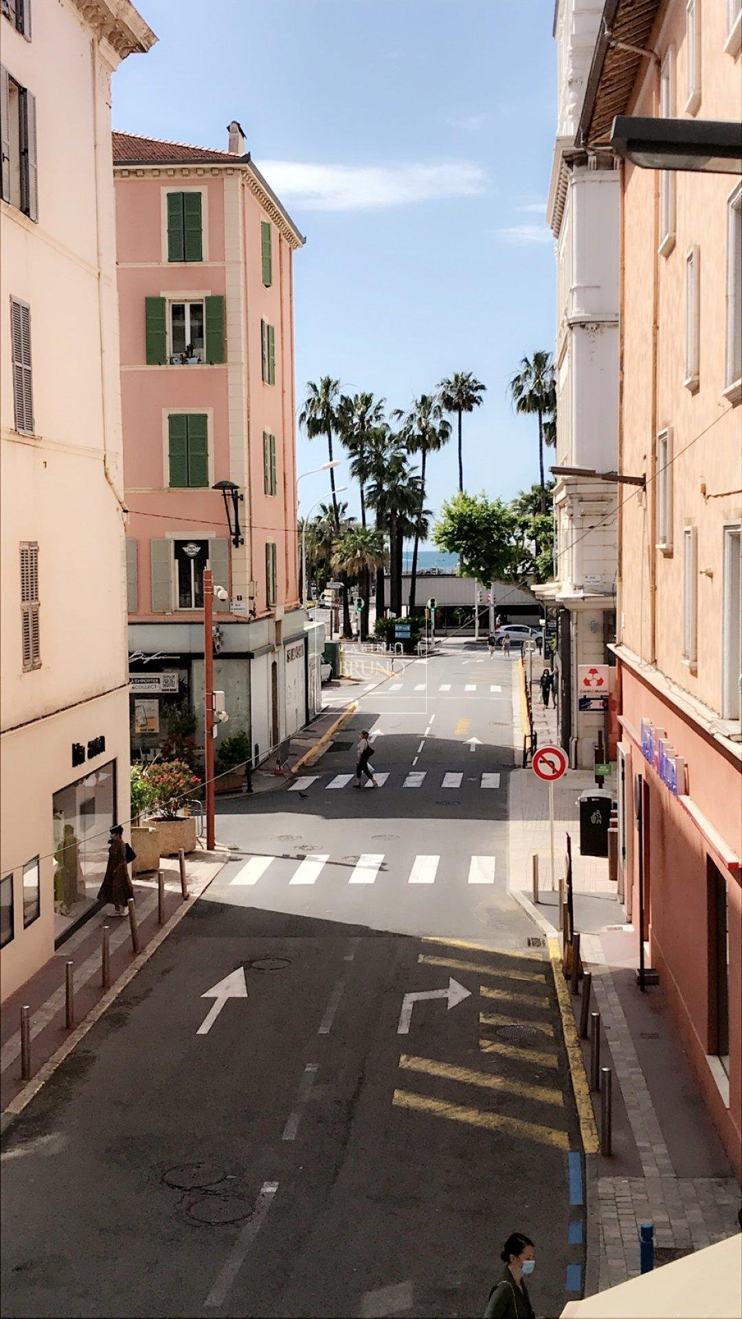 Rental Office - Cannes