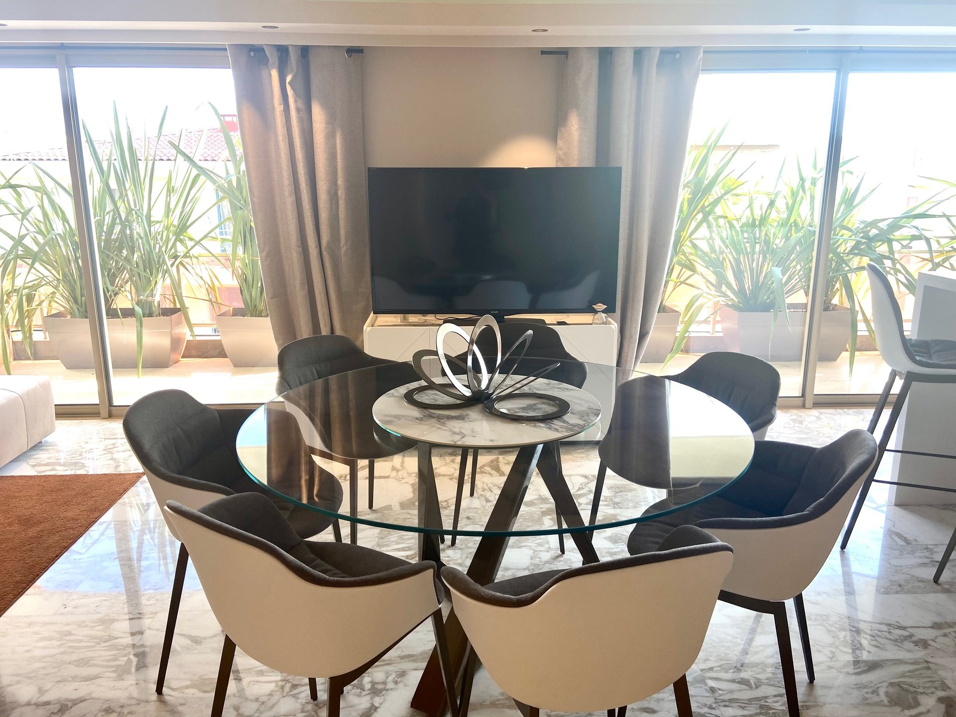 PENTHOUSE - CANNES PALM BEACH