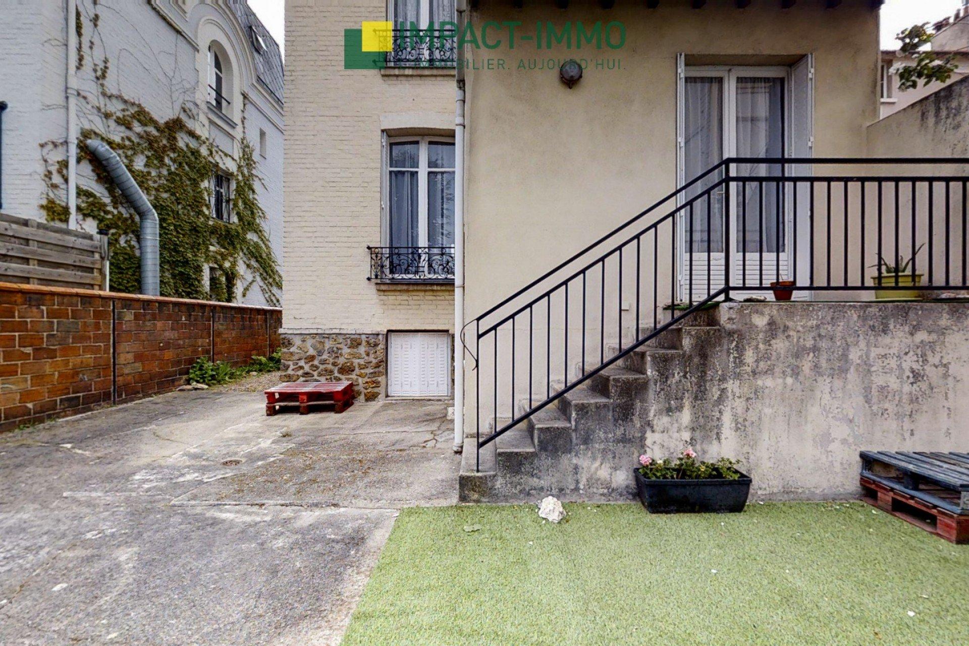 BELLE MAISON BOURGEOISE AU COEUR DES VALLÉES