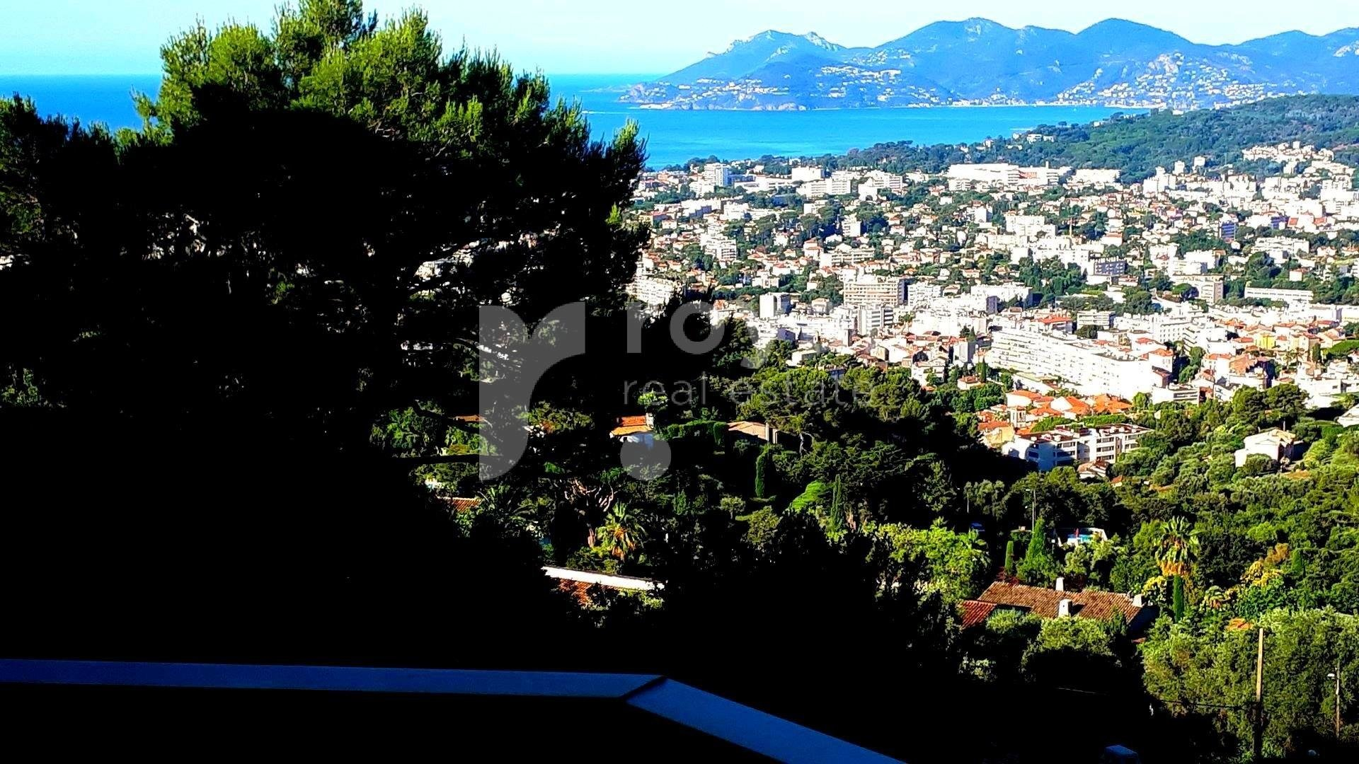 Near Cannes : Nice appartement with panoramic view