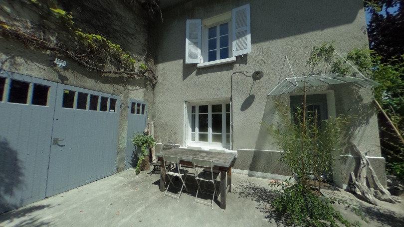 Maison en pierre 6P+C 575000 € CLAIX