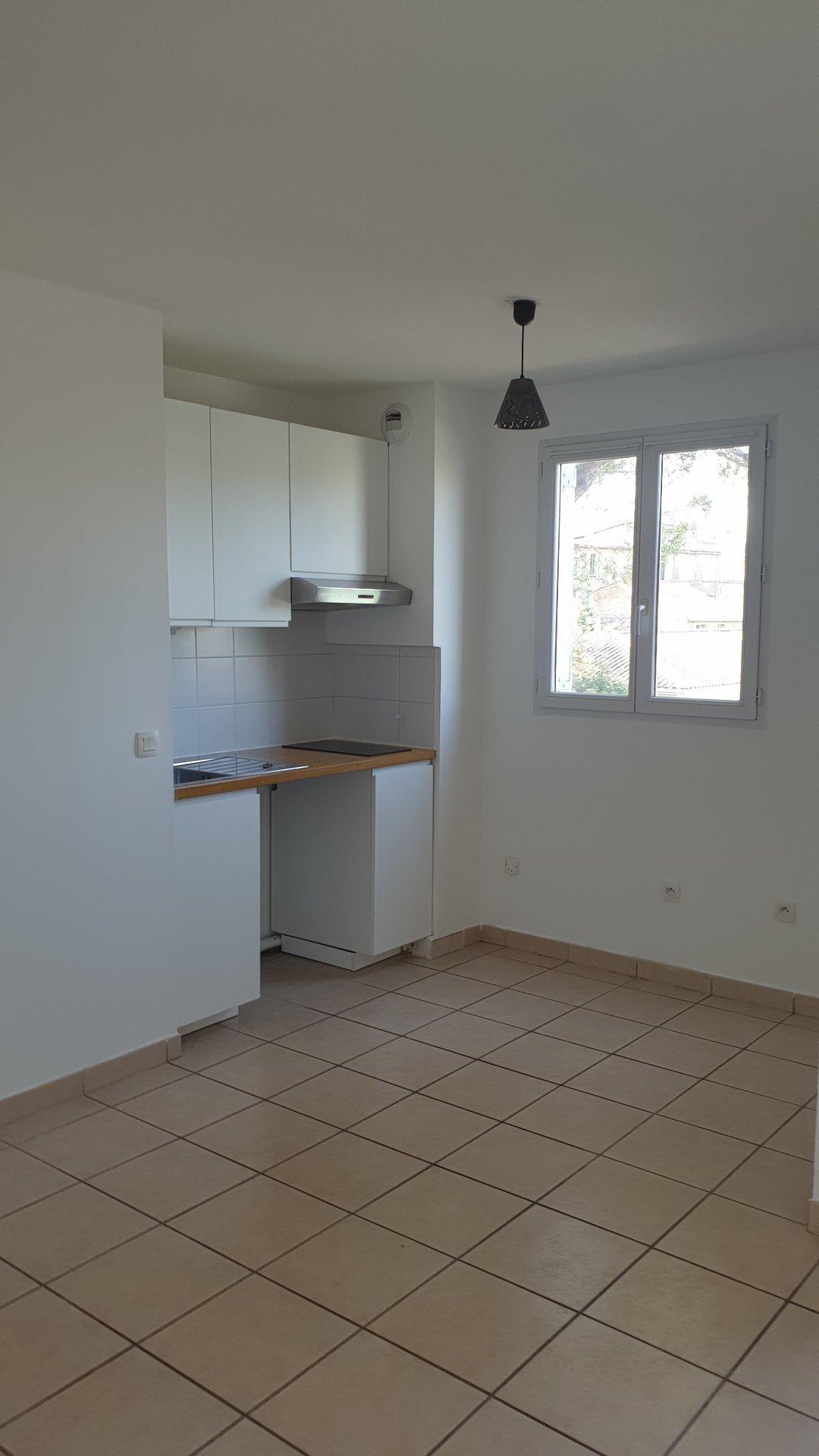 Appartement T2 à louer - Centre ville de Cogolin