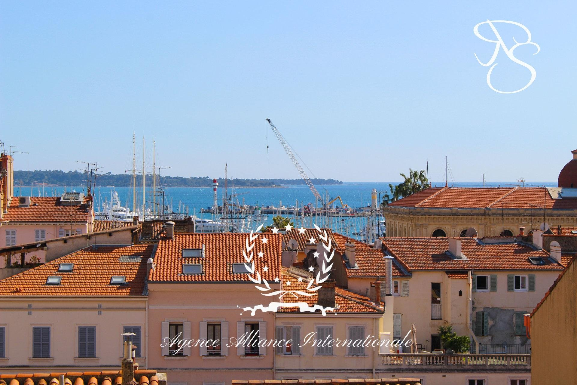 4 room apartment Cannes 50m Forville Market Sea view
