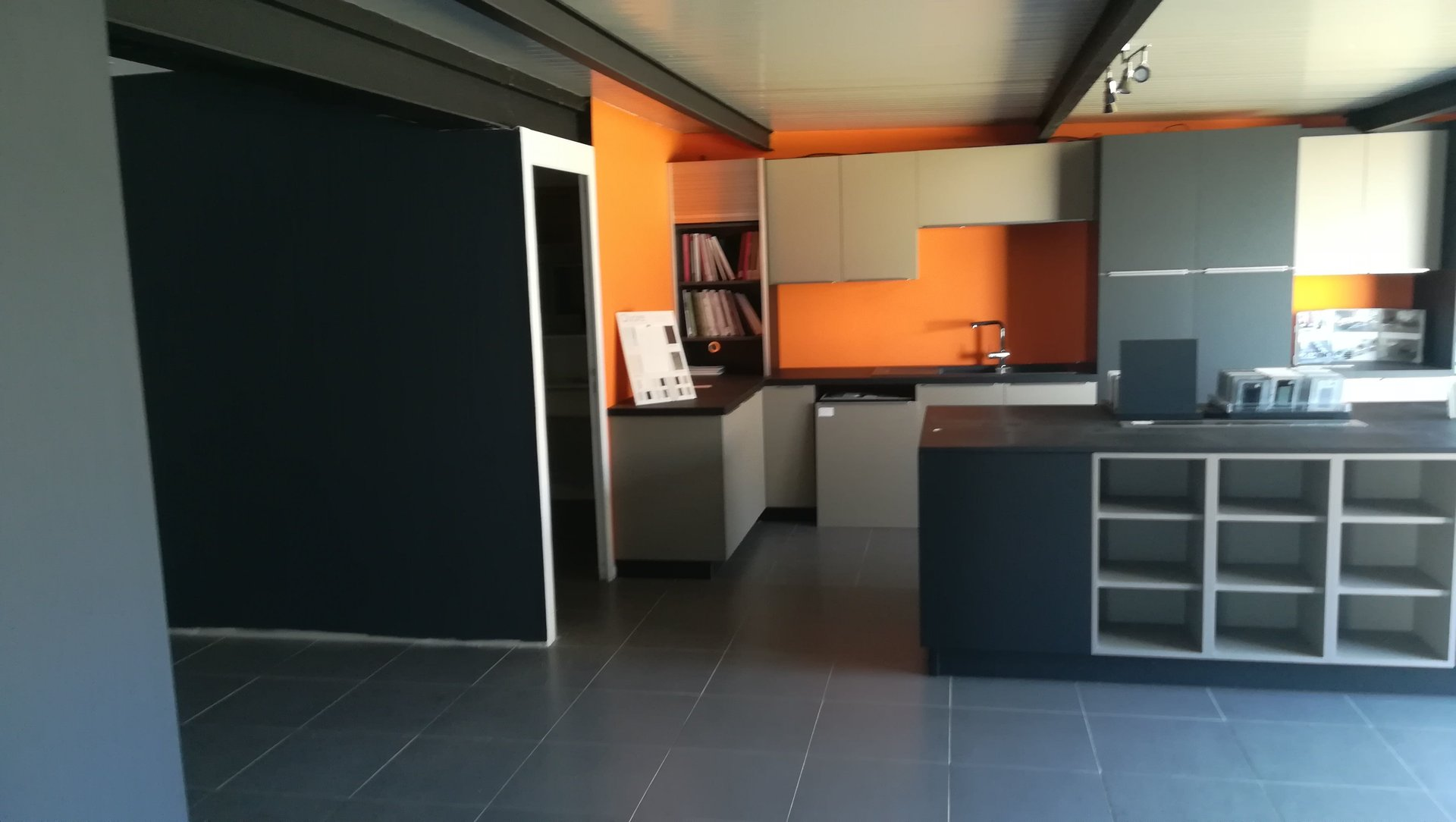 LOCAL 170M² PORTET sur GARONNE