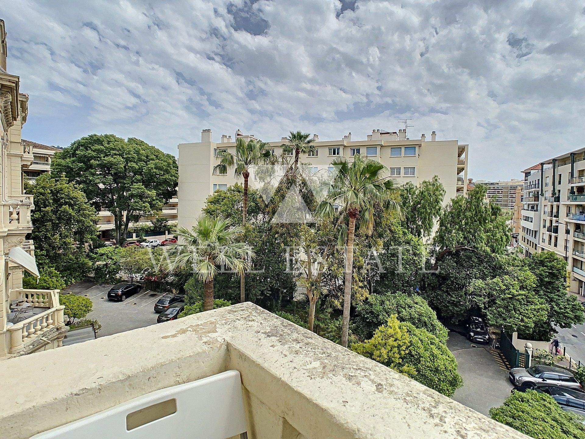 CANNES CENTER APARTMENT IN A PRIVATE MANSION 2 BEDROOM 97M2