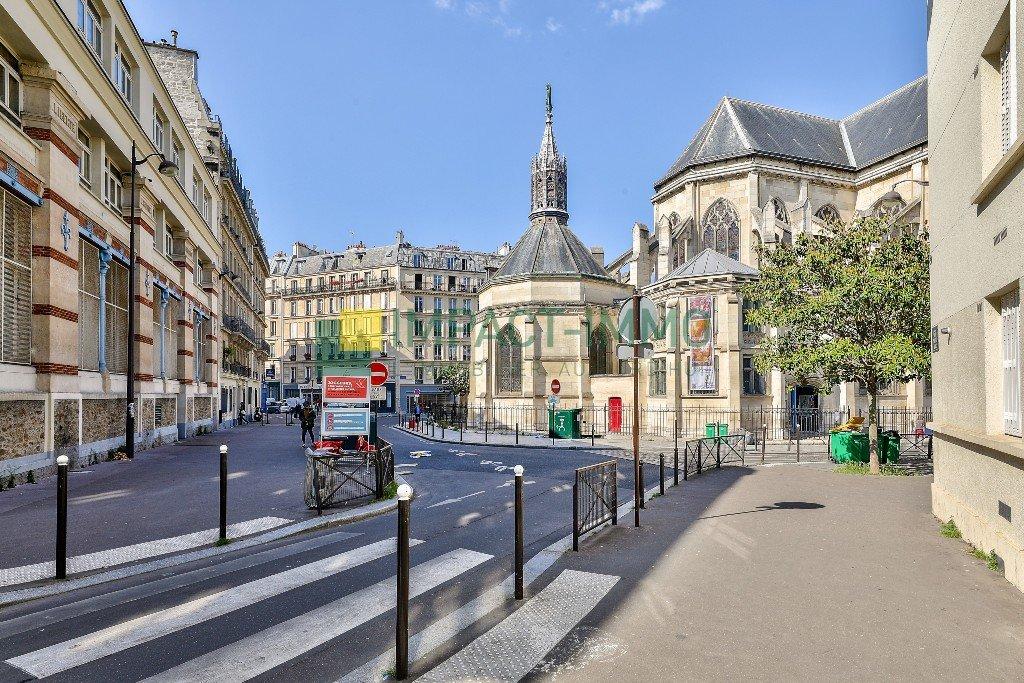 2 PIÈCES - RUE SAINT LUC - 75018 PARIS