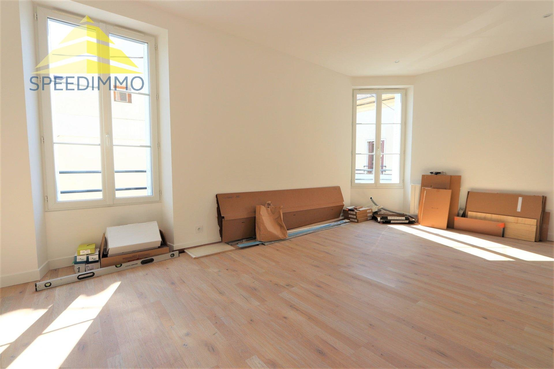 Location Appartement - Mandres-les-Roses