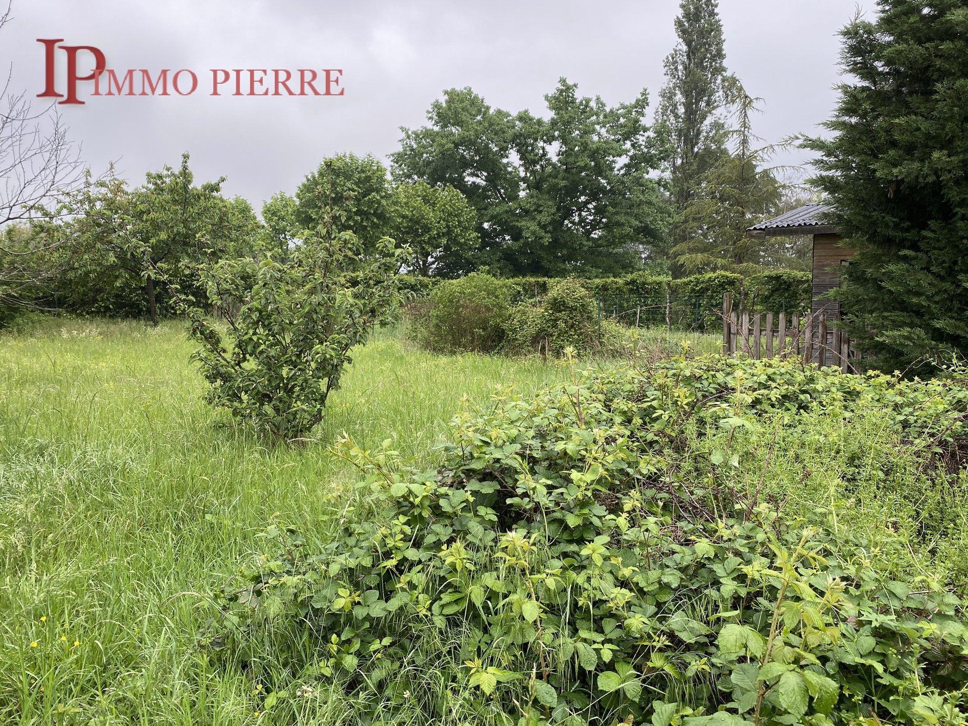 Sale Plot of land - Roanne