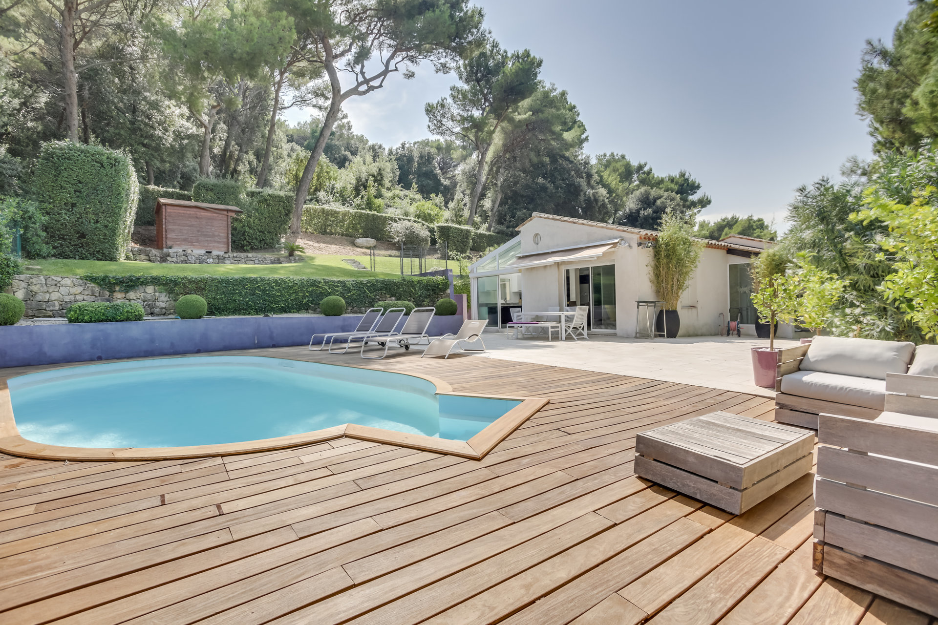 SOLE AGENT Heights of Cannes with sea-view