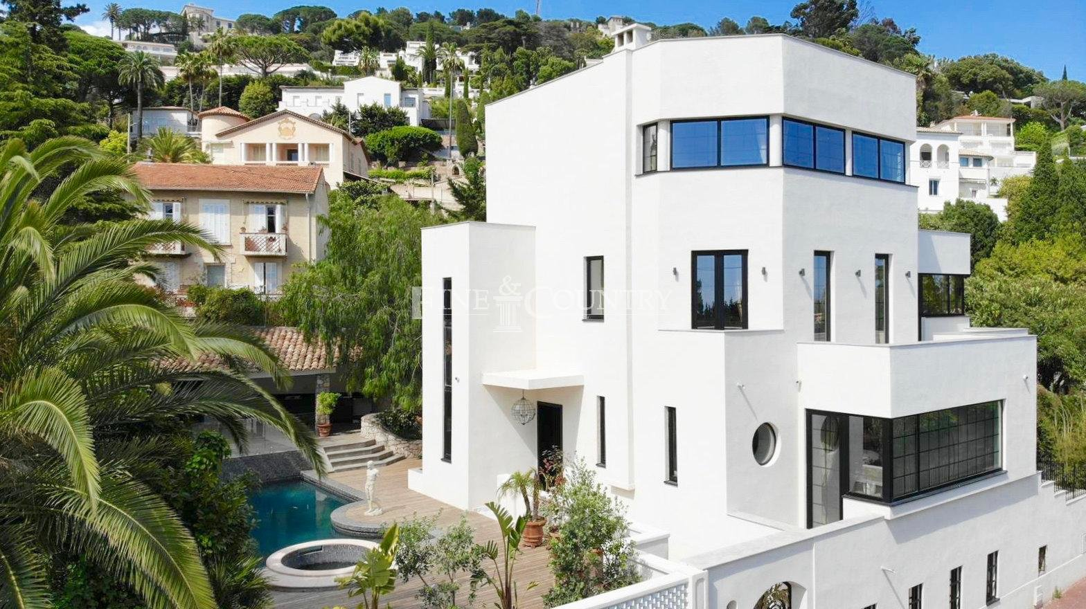 Villa for sale in Cannes with sea views