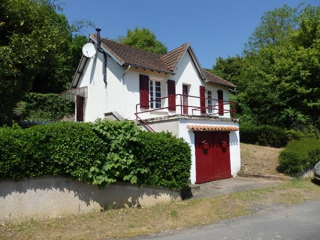 2 Bedroom House with Garage for Sale in Gouex in the Vienne