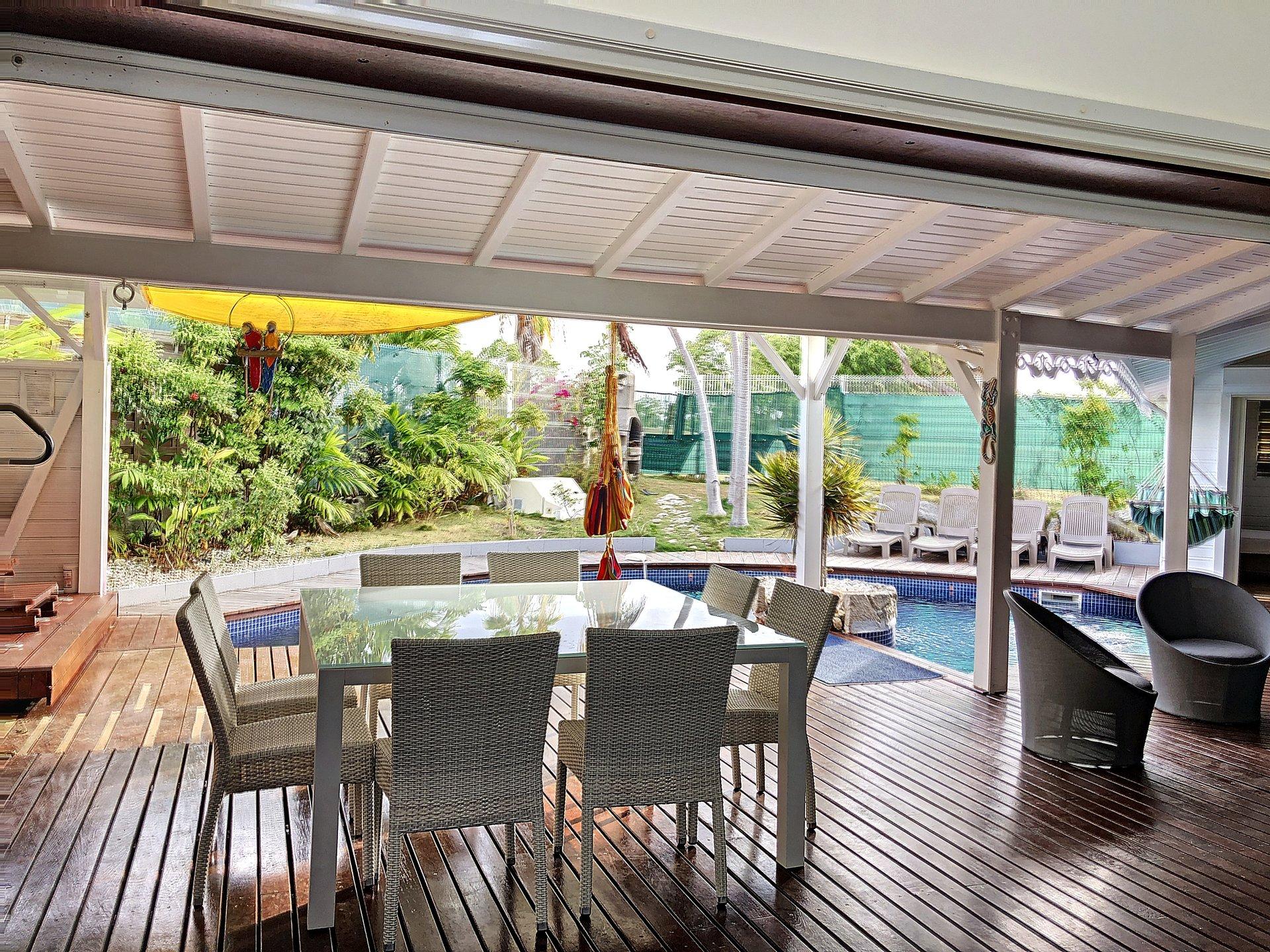 Villa T4 meublée, piscine, en bordure du golf