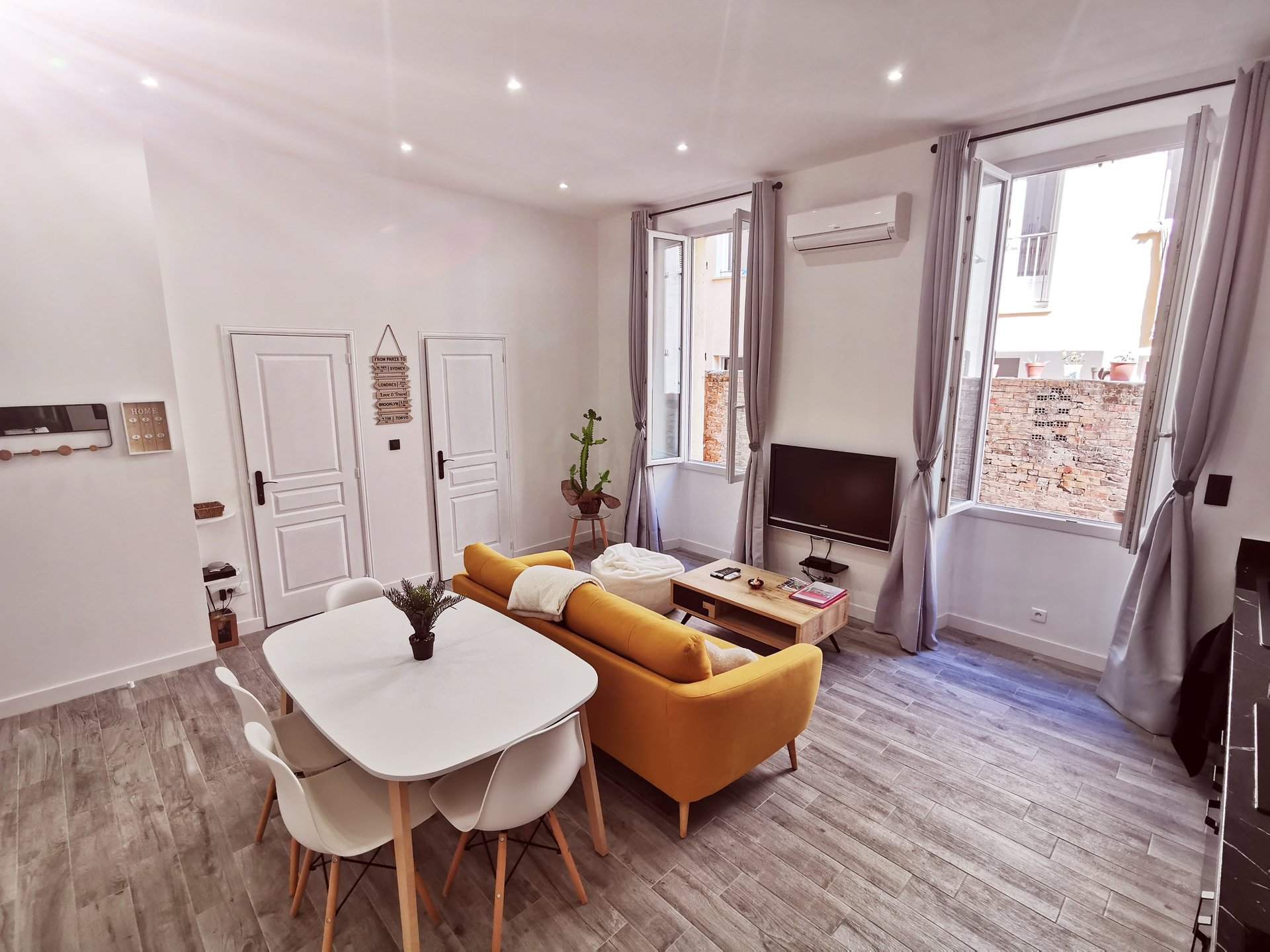 APPARTEMENT 3 PIECES CANNES BANANE QUARTIER SUQUET