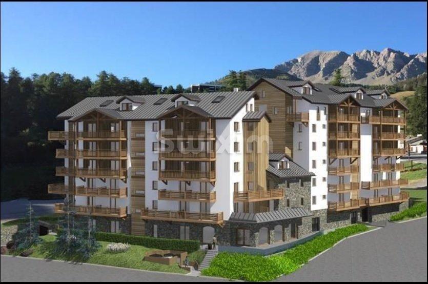 Hautes Alpes, bel appartement avec balcon