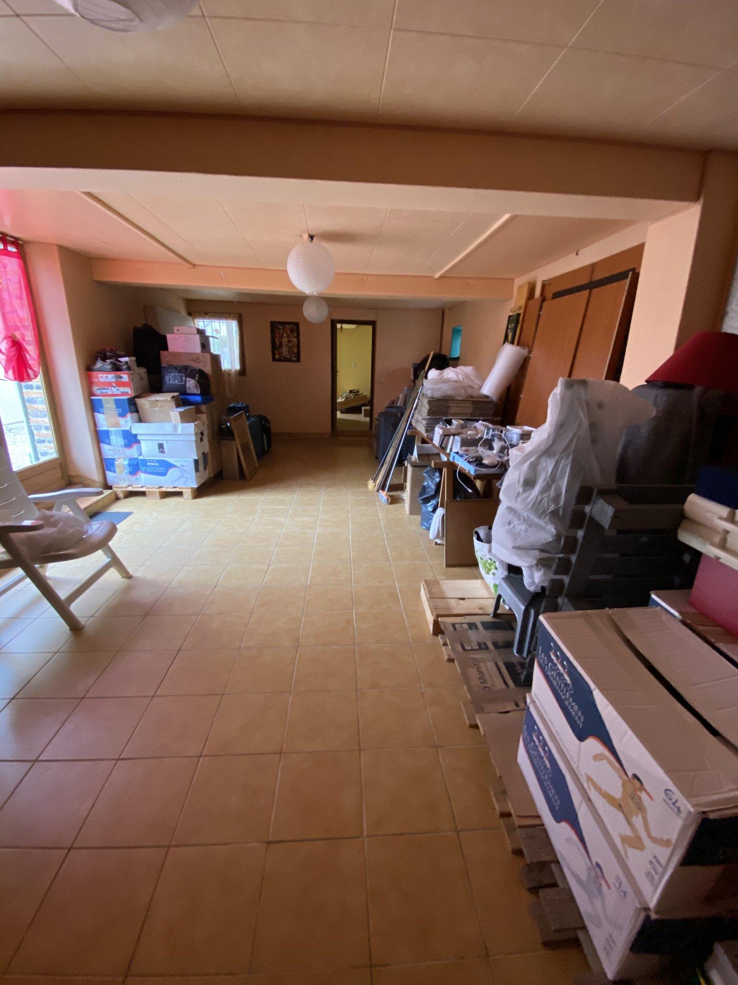 Tous commerces, écoles, collège et crèche sur place, maison  de 170 m² avec dépendance