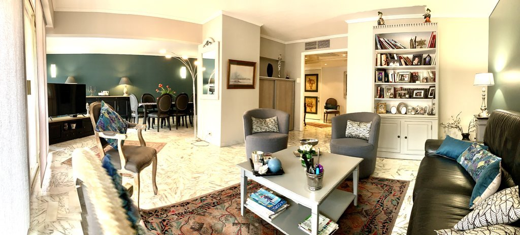 Exceptional corner apartment on a high floor with terrace, cellar and garage - Cannes