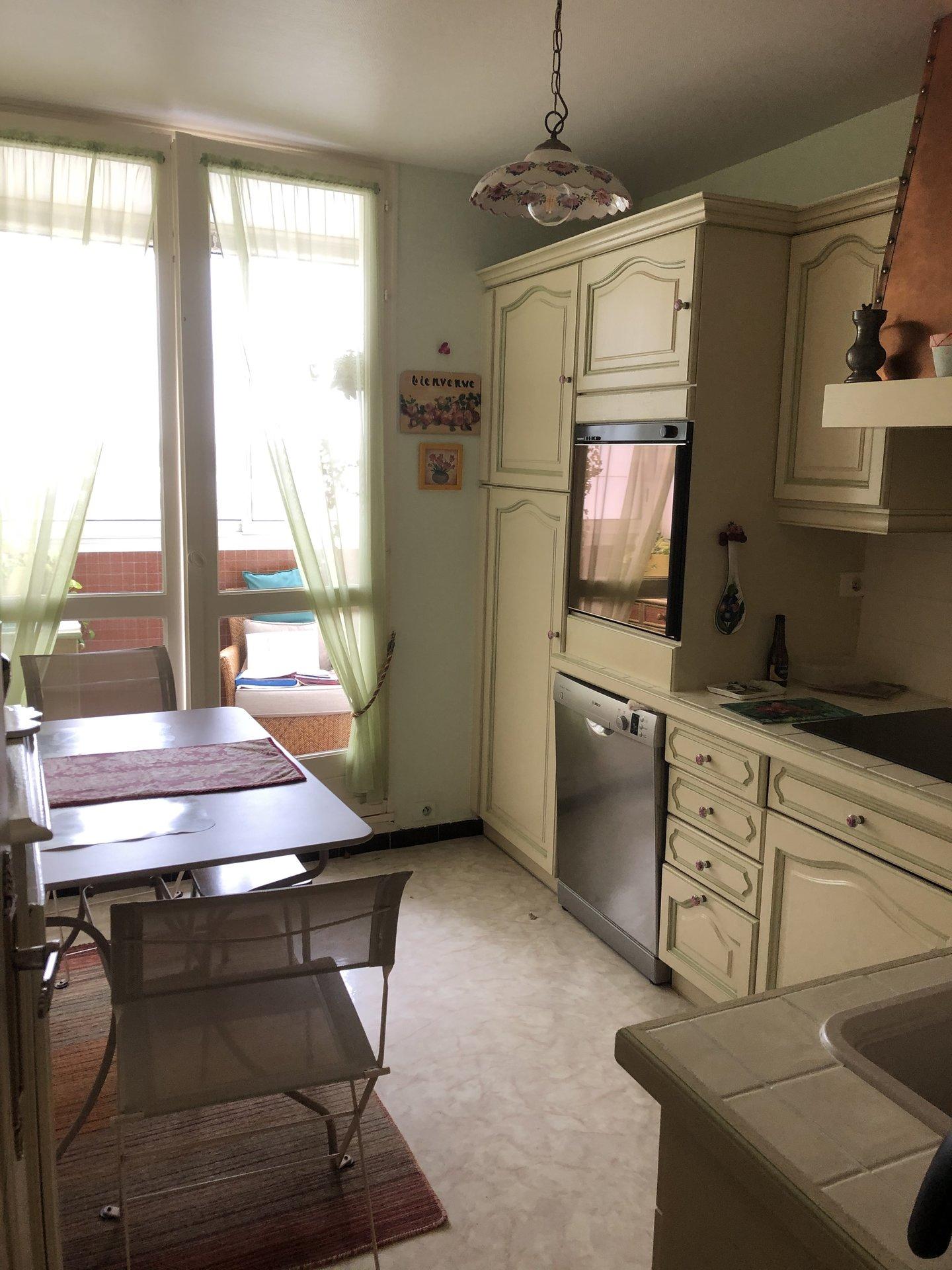Sale Apartment - Saint-Pierre-des-Corps