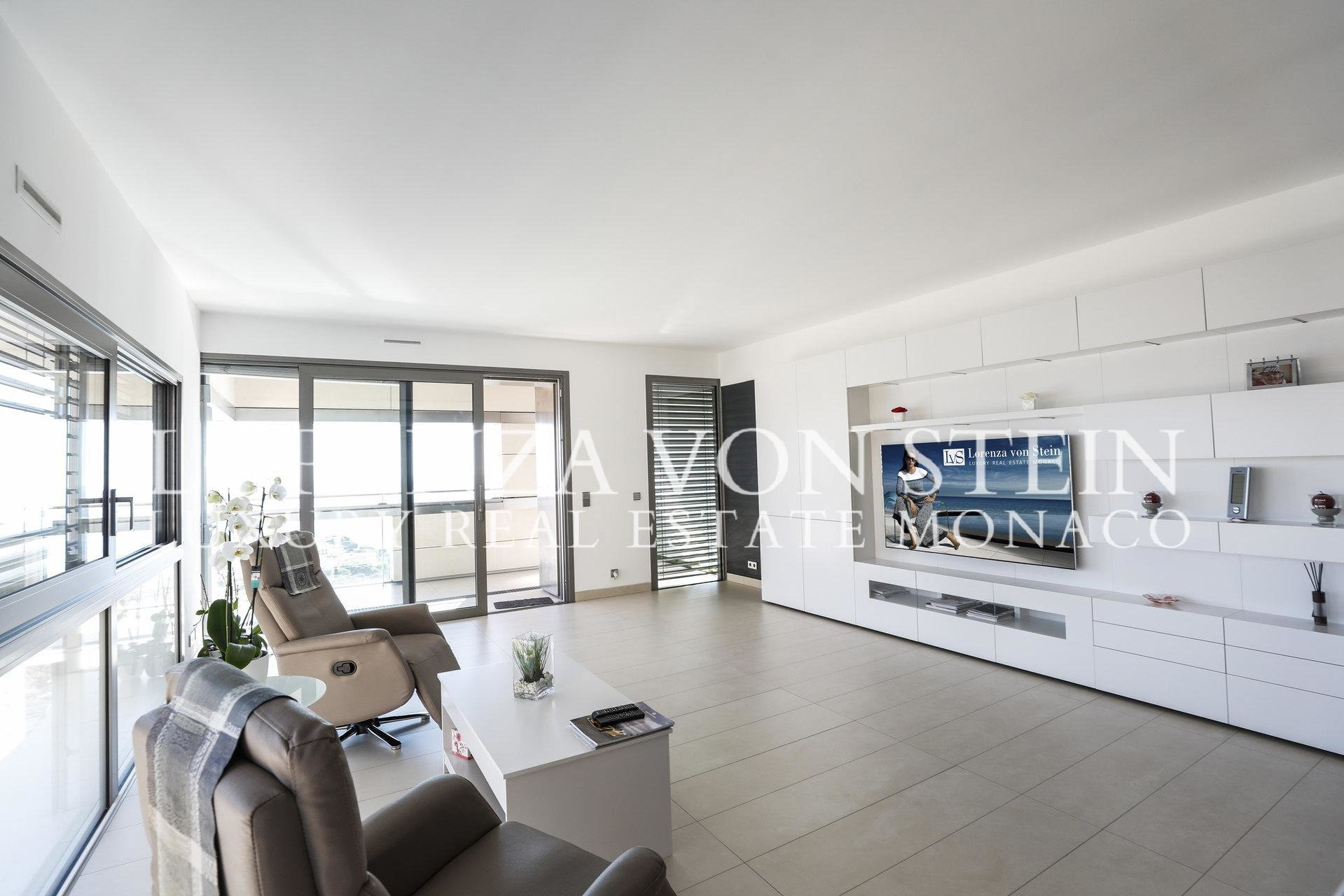 Monte Carlo View - Spacious Two Bedroom