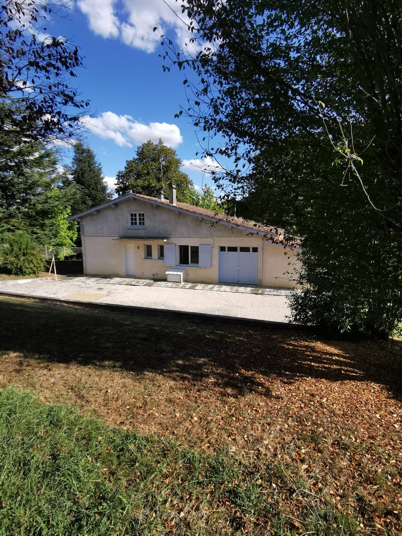House with its outbuildings and its 2300 sqm plot of land