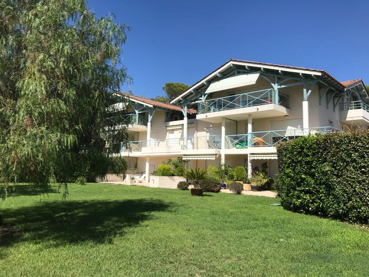 FREJUS-T3 vacances résidence piscine