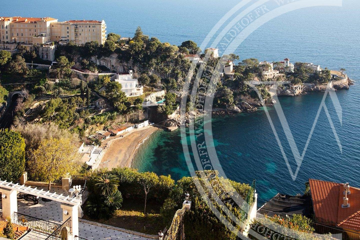 Fully renovated 4 bedroom Villa 5 minutes from Monaco in private domaine