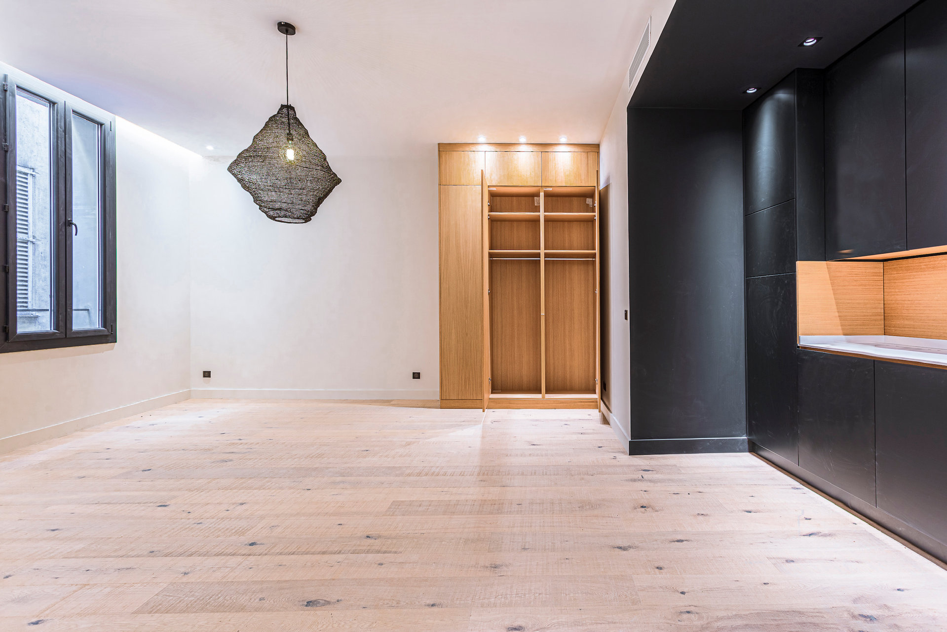 3 rooms Renovated Old Nice