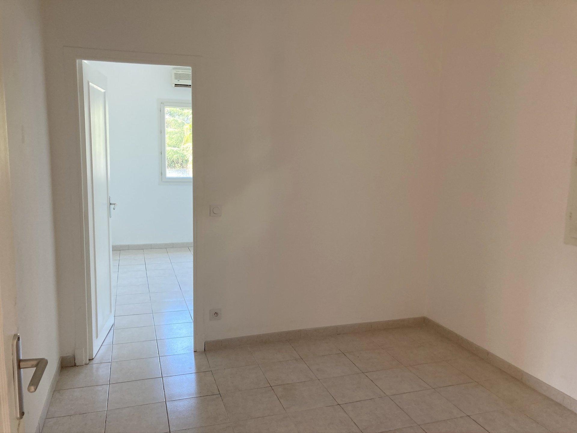 location Nice, haut de Villa 3/4 pièces 75.42m² situé bas Lanterne