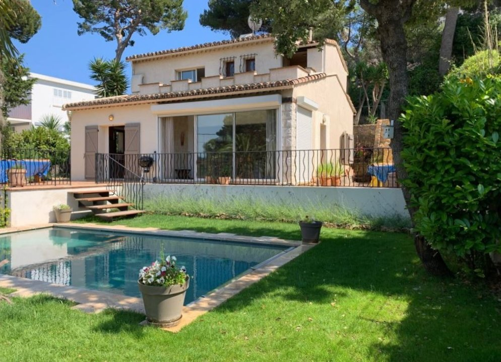 CHARMING VILLA IN THE HEART OF CAP D'ANTIBES