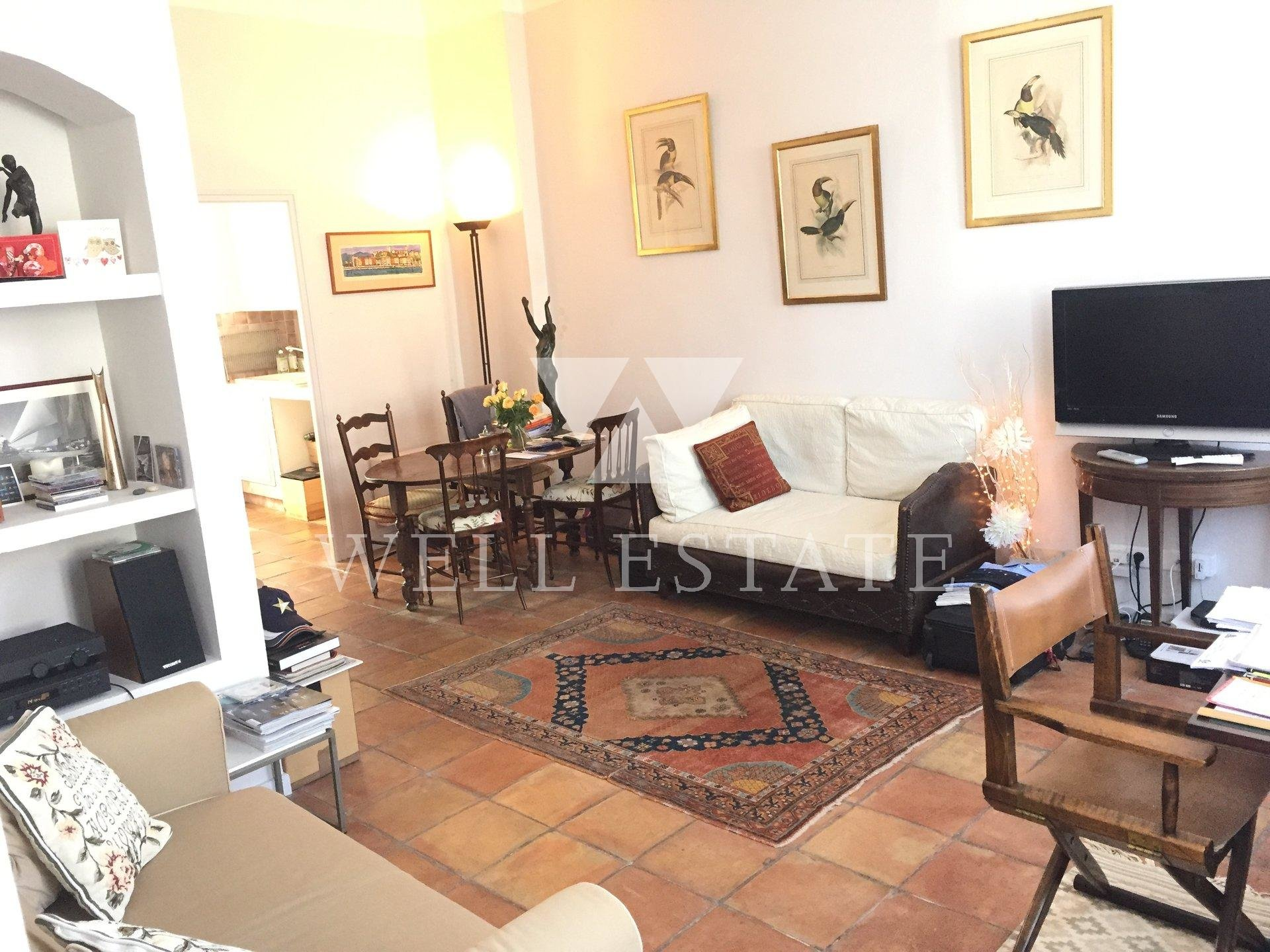 OLD PORT OF CANNES - 2 ROOM APARTMENT