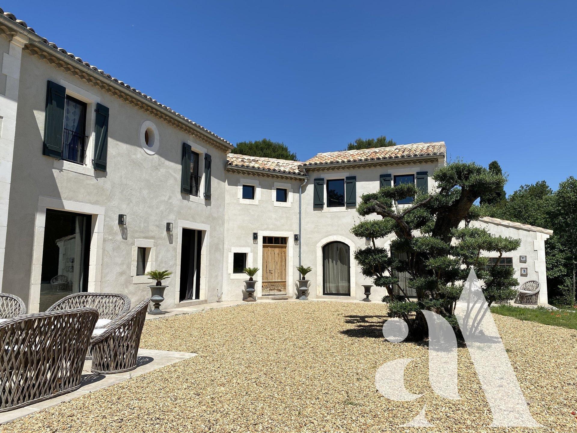 MAS DES ALPILLES- Saint-Remy de Provence- 5 bedrooms - 10 people