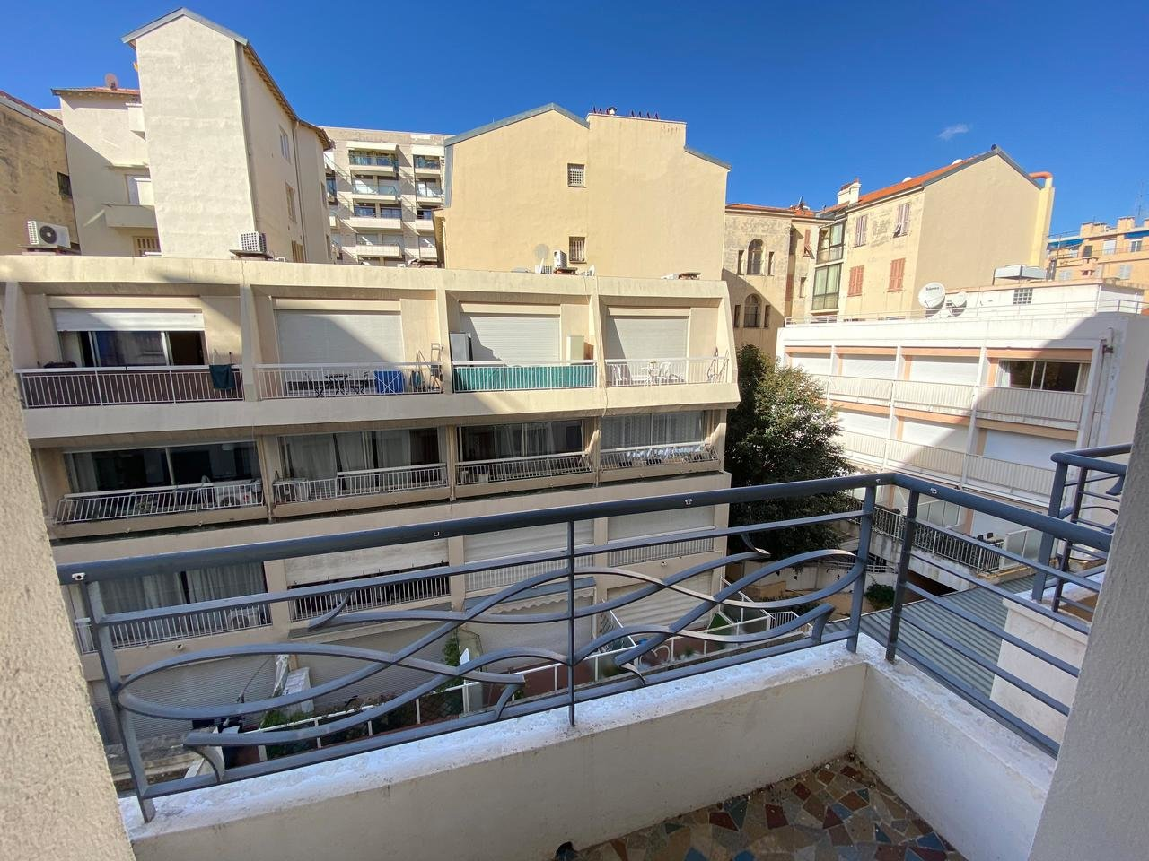 NICE - CARRÉ D'OR: 3 rooms with terrace and sea view