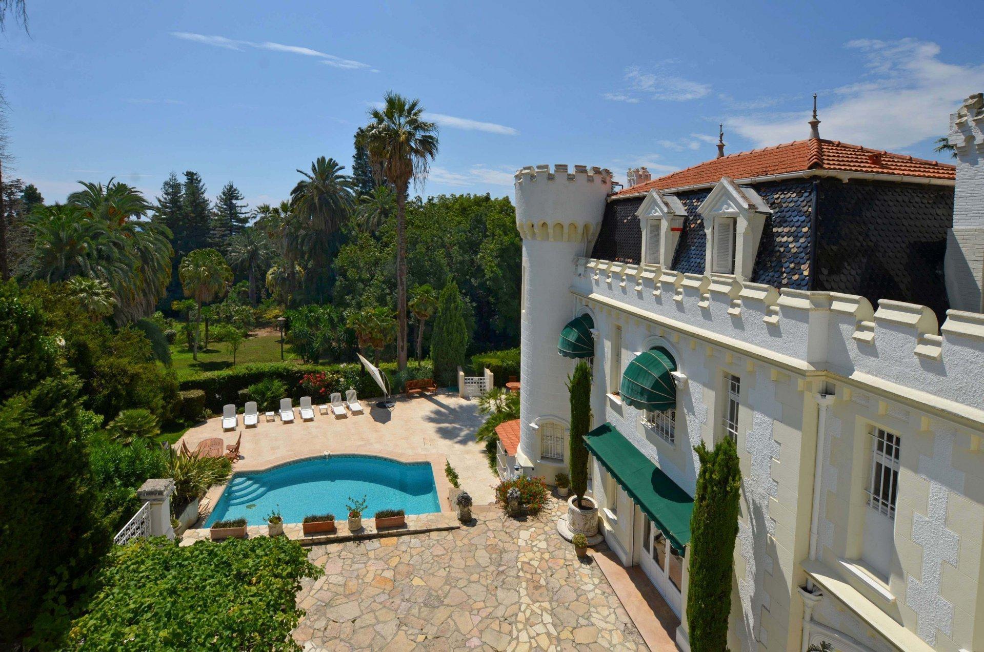 Cannes - Little chateau