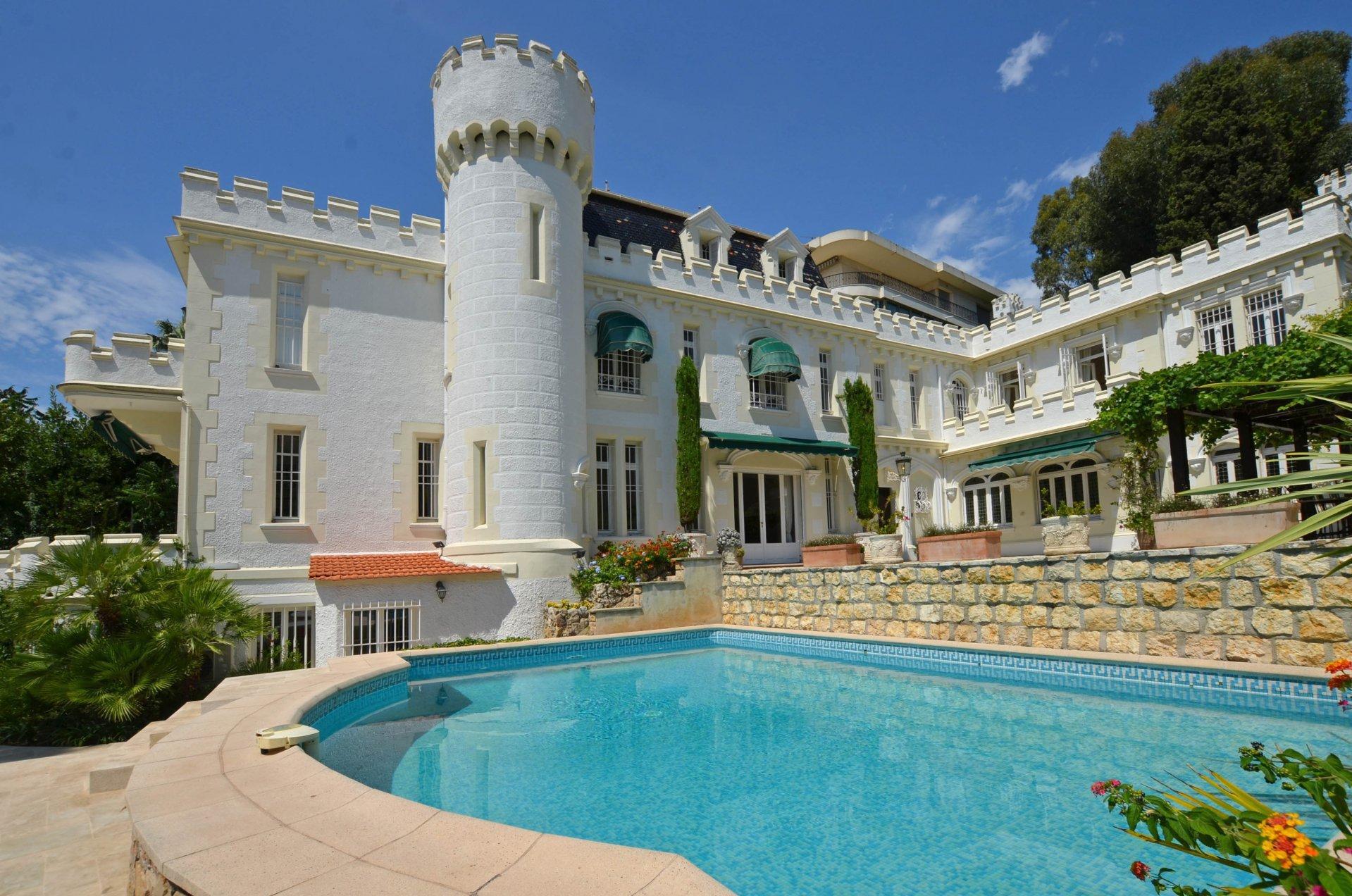 Unique petit château Cannes Bas de Croix des Gardes